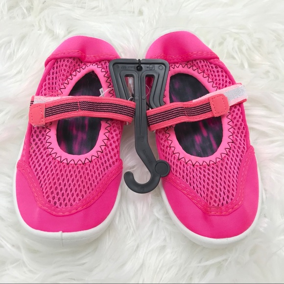 3a72e34b4d95 Little Girls 9-10 Pink Mesh Water Swim Pool Shoes